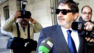 Ver vídeo  'Ingresa en prisión el exdirector de Trabajo de la Junta de Andalucía por los ERE falsos'