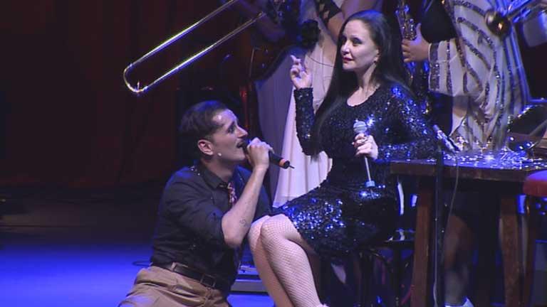 Asier Etxeandía llena el Circo Price con 'El Intérprete'