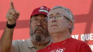 Ver vídeo  'Intervención de los líderes sindicales tras la manifestación'