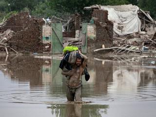 Ver vídeo  'Las inundaciones en Pakistán incrementan el riesgo de epidemias'