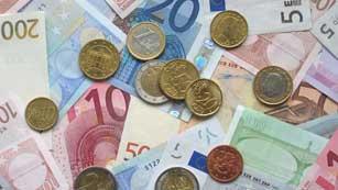 Ver vídeo  'Los inversores exigen los mismos intereses para comprar bonos a diez y a tres años'