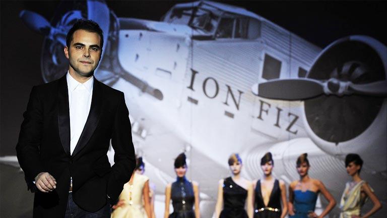 Ion FIz, el diseñador vasco, cumple 10 años en la  moda