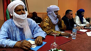 Ver vídeo  'Los islamistas que ocupan el norte de Mali vuelven a destruir mausoleos en Tombuctú'