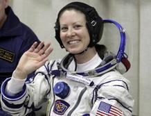 Tracy Caldwell espera a sus compañeras en la ISS