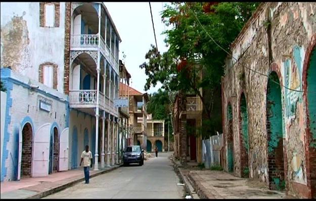 Jacmel conserva el tradicional aspecto caribeo