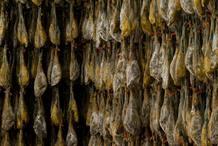 Los jamones ibéricos han de consumirse antes de los 5 años desde que se producen