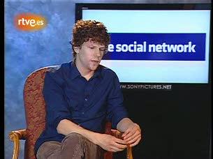 """Ver v?deo  'Jesse Eisenberg: """"Zuckerberg es el multimillonario más joven del mundo y el dinero no le preocupa""""'"""