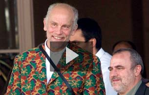 Ver v&iacute;deo  'John Malkovich presenta &quot;Quemar despu&eacute;s de leer&quot;'