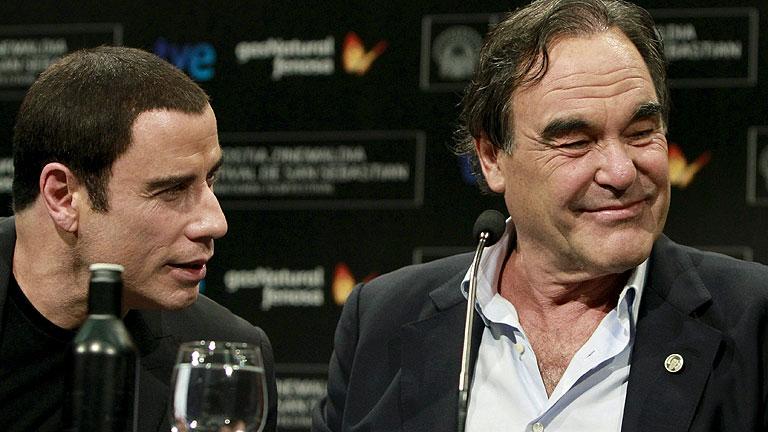 John Travolta y Oliver Stone muestran su agradecimiento por recibir el Premio Donostia