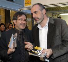 Jordi Ausàs, el futuro Consejero de Gobernación de la Generalitat de Cataluña, participa junto a Joan Ridao en un acto de la pasada campaña electoral.