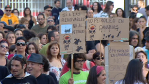 Ver vídeo  'Jornada de protestas en Canarias contra las prospecciones petrolíferas'