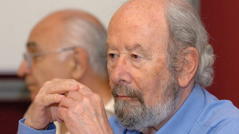 José Manuel Caballero Bonald, poeta, fabulista e insumiso