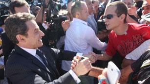 Ver vídeo  'Un joven increpa a Nicolás Sarkozy'