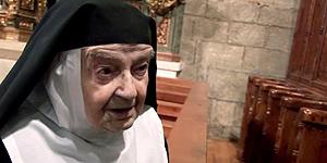 La 'joven' sor Teresita, de 103, sale del convento para ver al papa
