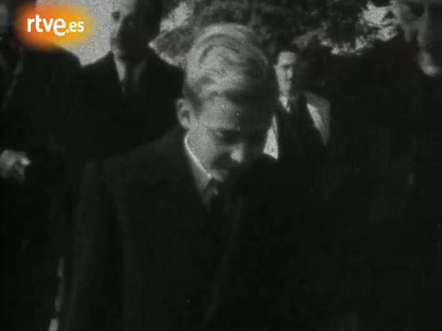 El príncipe Juan Carlos llega a España (1948)