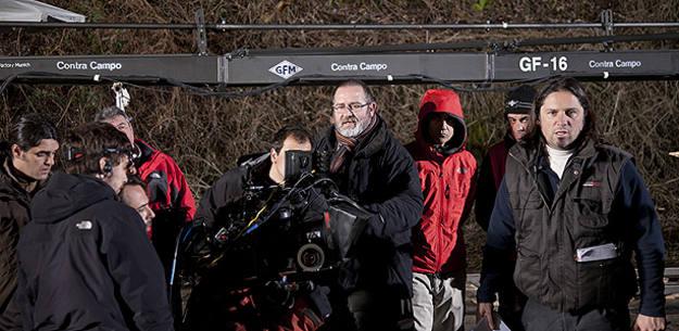 Juan Martínez Moreno, director de 'Los lobos de Arga', en un momento del rodaje
