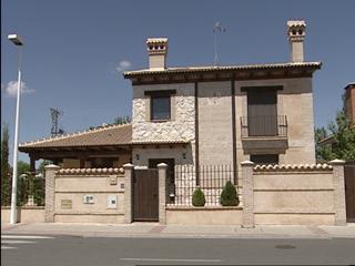 Ver vídeo  'El juez ha decretado prisión sin fianza para la monitora que mató presuntamente a tres niños'