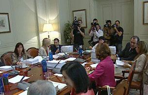 Ver vídeo  'El juez Garzón presenta sus alegaciones al Consejo General del Poder Judicial'