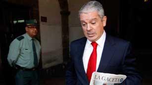 Ver vídeo  'El juez reclama a la Comunidad de Madrid 317 contratos con Gürtel'