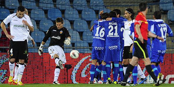 Los jugadores del Getafe celebran el tercer gol frente al Valencia.