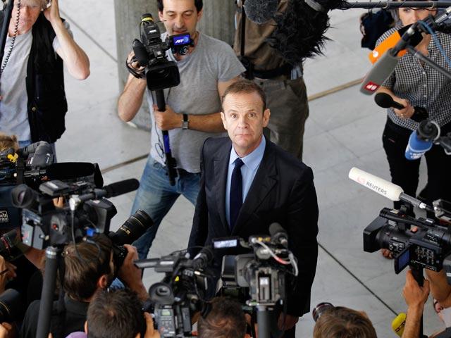 Se suspende el juicio al fotógrafo que quiso estafar 1.000 millones de euros a la heredera de L'Oreal