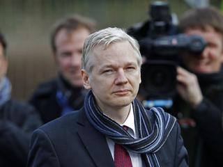 Ver v?deo  'La justicia británica autoriza la extradición de Assange a Suecia'