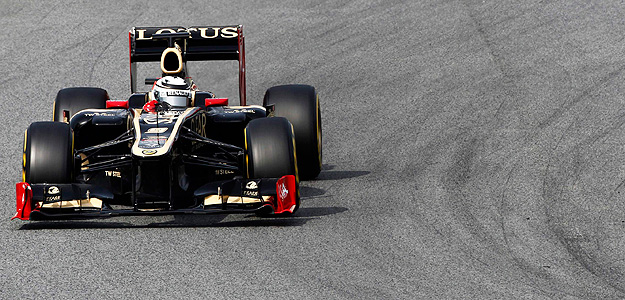 Kimi Raikkonen, a bordo de su Lotus.