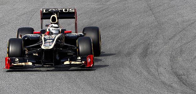 Kimi Raikkonen, a bordo de su Lotus.