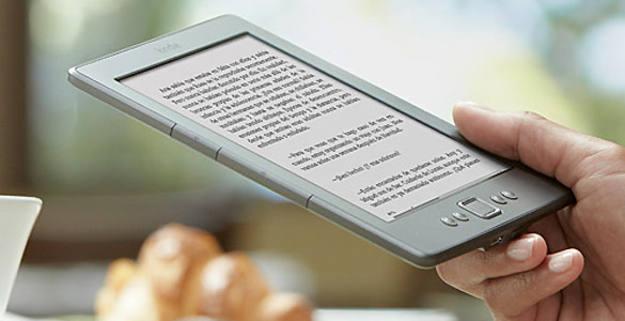 La compañía Amazon lanza su lector de e-books en España.