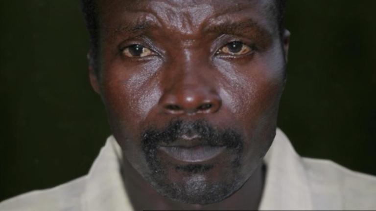 El criminal de guerra Kony, buscado por las redes sociales