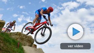 Kulhavy se lleva el oro de ciclismo de montaña y Hermida es cuarto