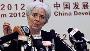 """Ver vídeo  'Lagarde ve mejoras en la economía mundial pero advierte que aún es """"vulnerable""""'"""
