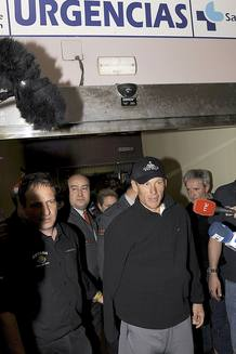 Lance Armstrong, a su salida del hospital en Valladolid.