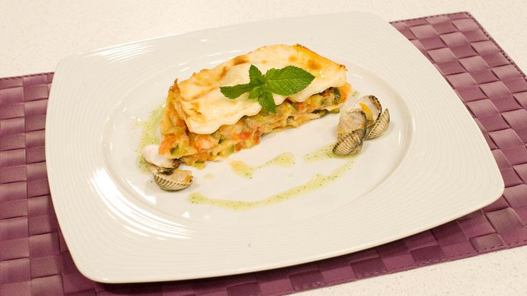Saber cocinar - Lasaña de verduras y marisco con salsa de menta