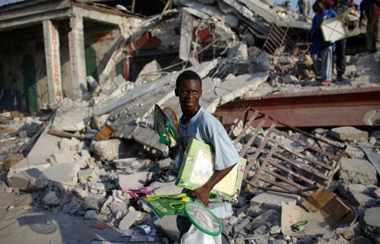 Ver vídeo  'Leogane: La vida en el epicentro'