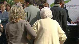 Ver vídeo  'La Ley de Dependencia se enfrenta a una reforma con copago'