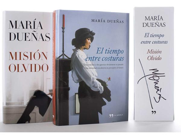 Libros de María Dueñas firmados por ella
