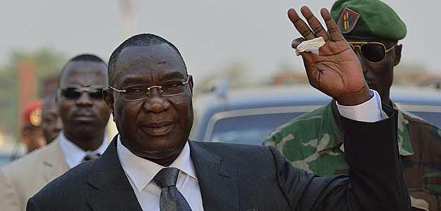 Los líderes regionales han presionado al rebelde Michel Djotodia a dimitir como presidente interino de la República Centroafricana.