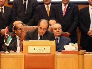 Ver vídeo  'La Liga Árabe admite de nuevo a Libia tras reconocer oficialmente a los rebeldes'