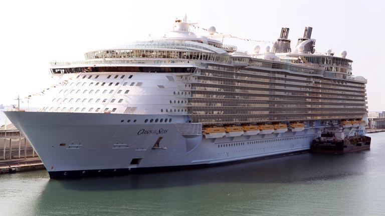 Llega a Barcelona el crucero más grande del mundo