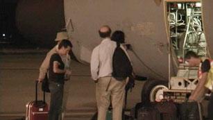 Ver vídeo  'Llegan a España los cooperantes repatriados desde el Sáhara'