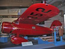 El 'Lockheed Vega 5b' pilotado por Amelia Earhart, en el Museo del Aire y del Espacio en Washington D. C.