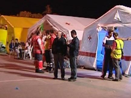 Ver v?deo  'En Lorca, se estima que 30.000 personas han pasado la noche al raso por miedo a las réplicas'