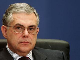 Ver vídeo  'Lukás Papadimos formará gobierno como primer ministro en Grecia'