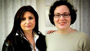Ver vídeo  'Una madre 'mecenas' consigue 7.000 euros para que readmitan a una investigadora'