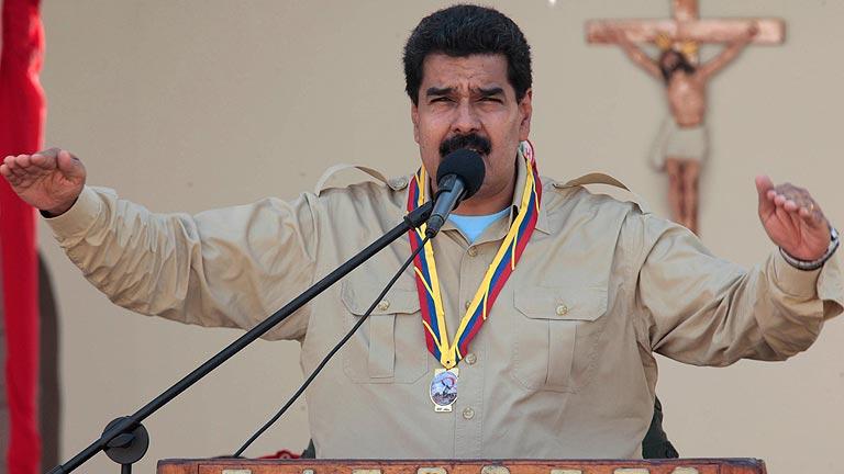 Maduro ordena la expulsión de tres diplomáticos estadounidenses de Venezuela