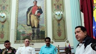 Ver vídeo  'Maduro jura lealtad a Chávez, que ya está en La Habana para ser intervenido de urgenci