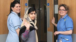 Ver vídeo  'Malala abandona el hospital tres meses después del ataque talibán contra su vida'
