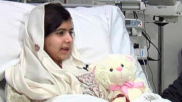 Malala reafirma su compromiso con la educación de las niñas paquistaníes tras el ataque talibán