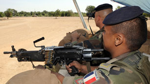 Ver vídeo  'Mali lanza una ofensiva apoyada por Francia y África Occidental contra los rebeldes salafistas'